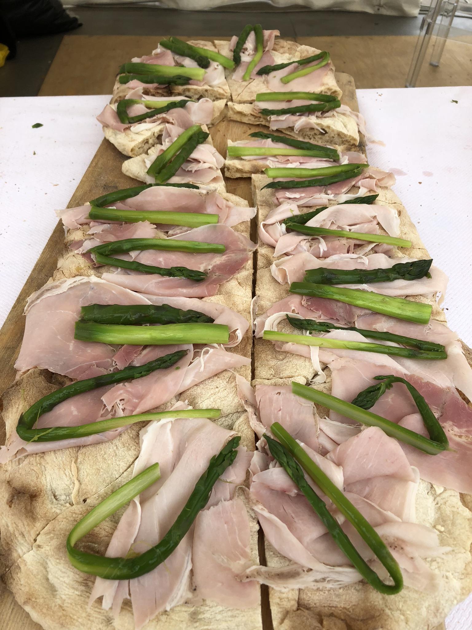 Il salotto dell'asparago bianco